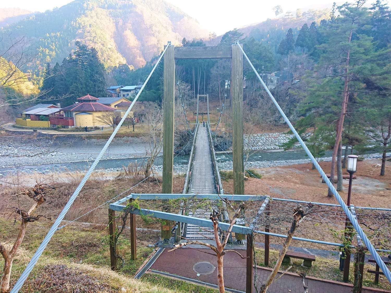 つり橋と景色