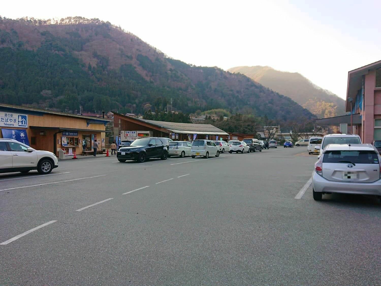 道の駅丹波山の駐車場