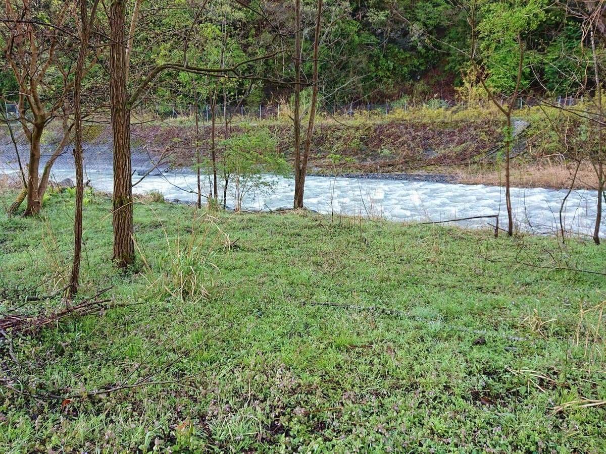 川付近の足元状況