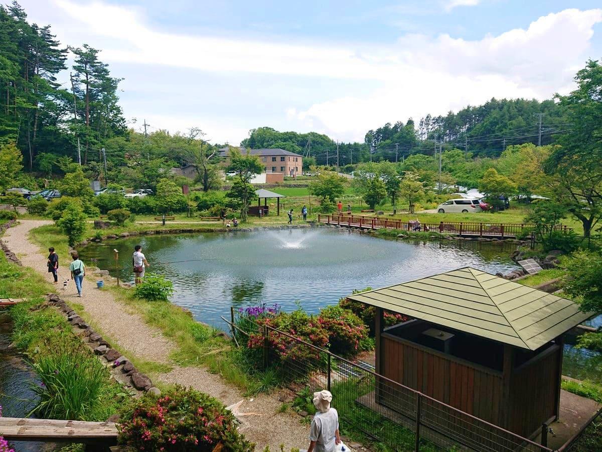 大滝湧水公園内の景観