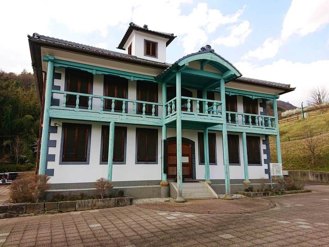 牧丘郷土文化館の外観