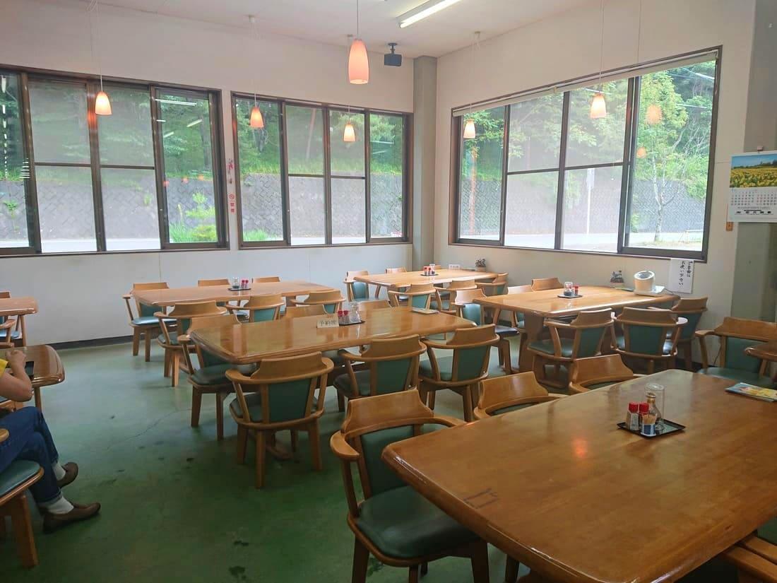 お食事処の座席の雰囲気