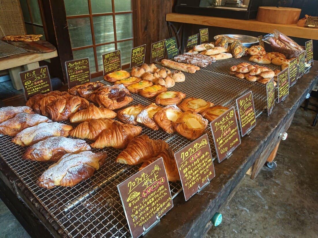 デニッシュ系パンの陳列コーナー