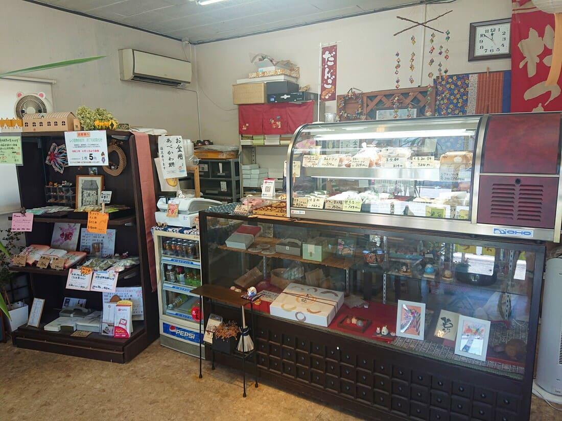 こばやし製菓の店内の様子