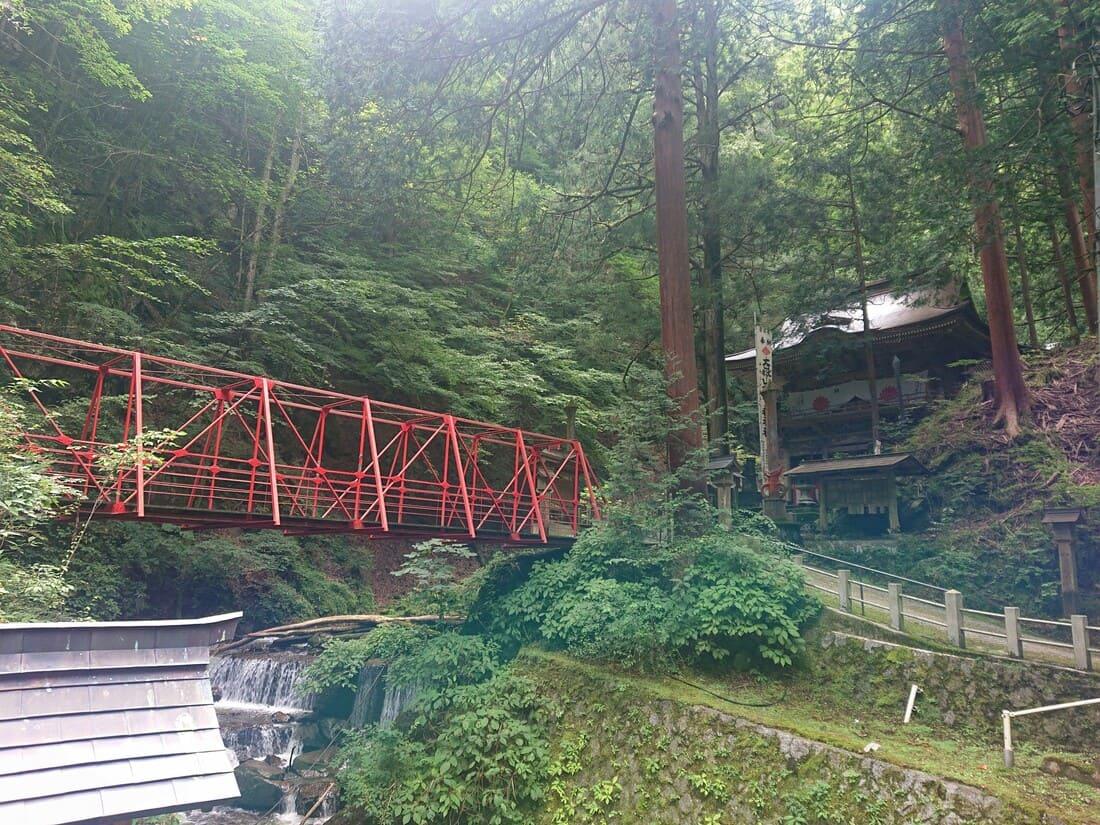 平林橋と随神門