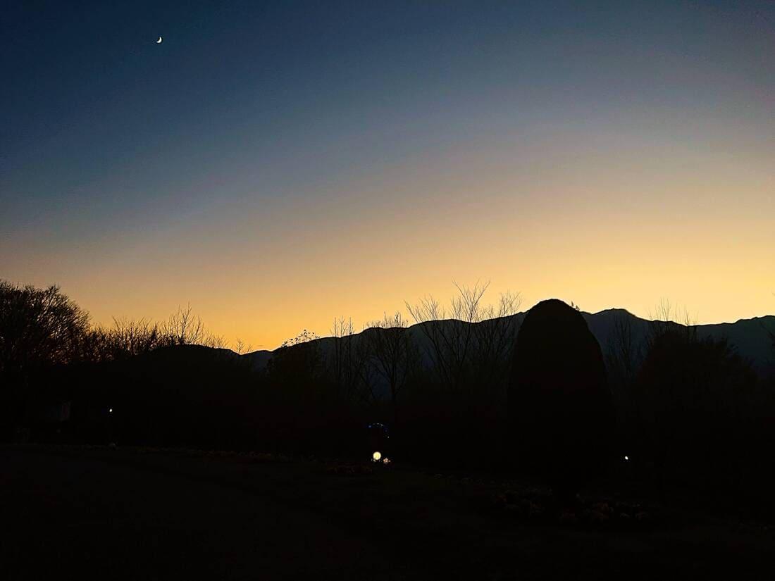 ハイジの村園内から南アルプスの夕暮れ