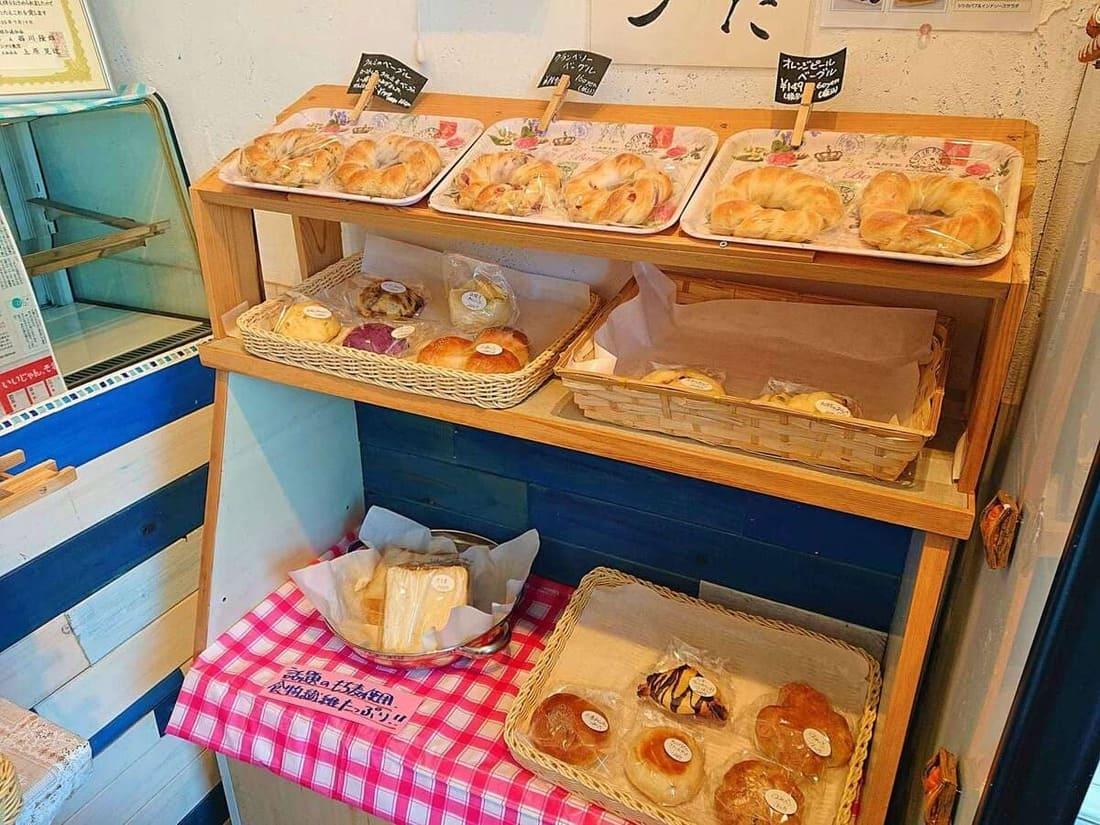 ブルーミングベーカリーのパン売り場の反対側