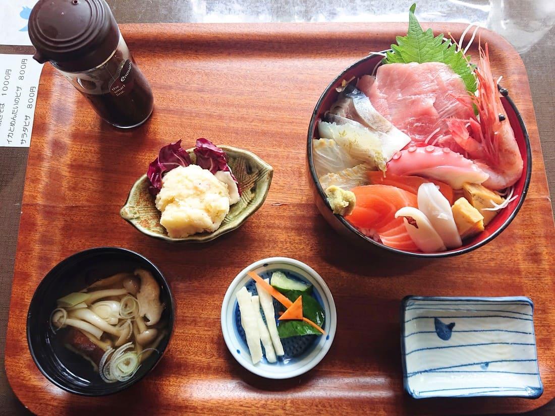 特選海鮮丼の内容