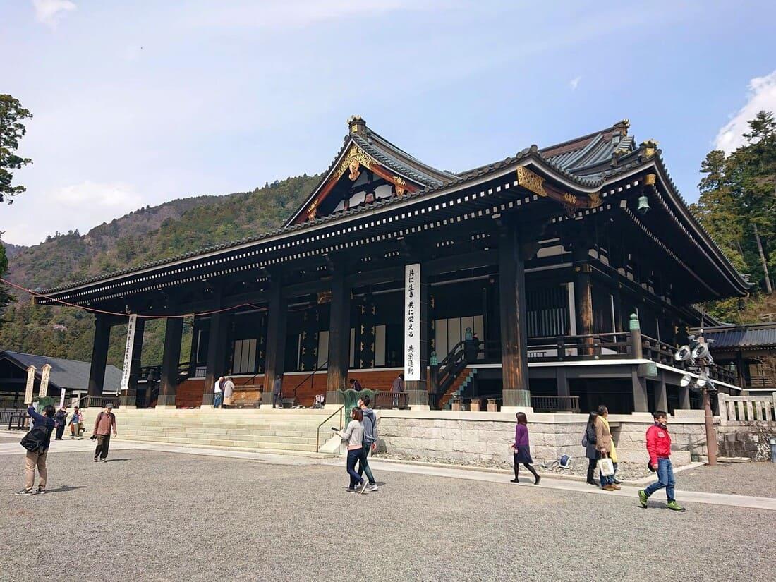 身延山久遠寺本堂
