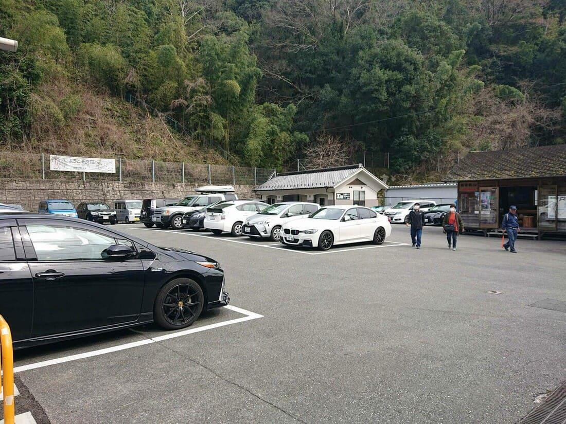 仲町町営駐車場の様子