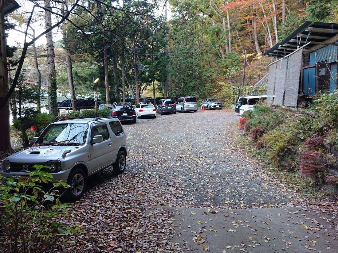 水明荘専用駐車場の様子