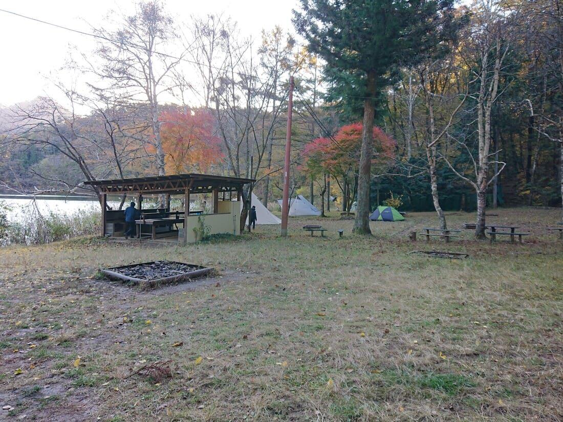 水明荘キャンプ場の設備と様子
