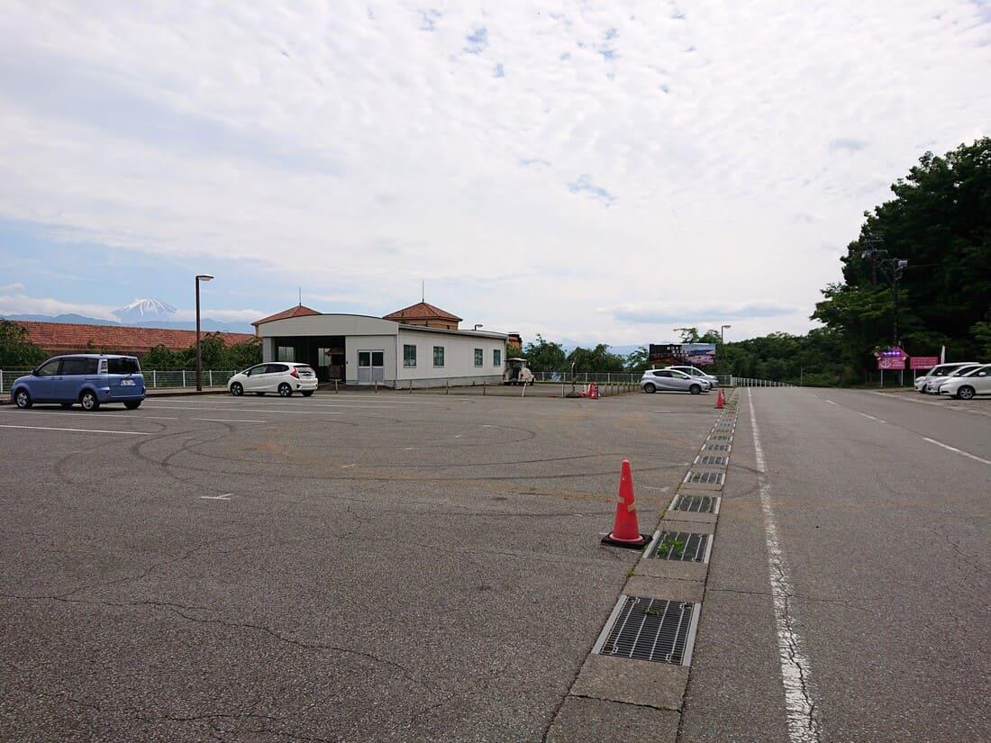 フルーツ公園の一番上にある駐車場