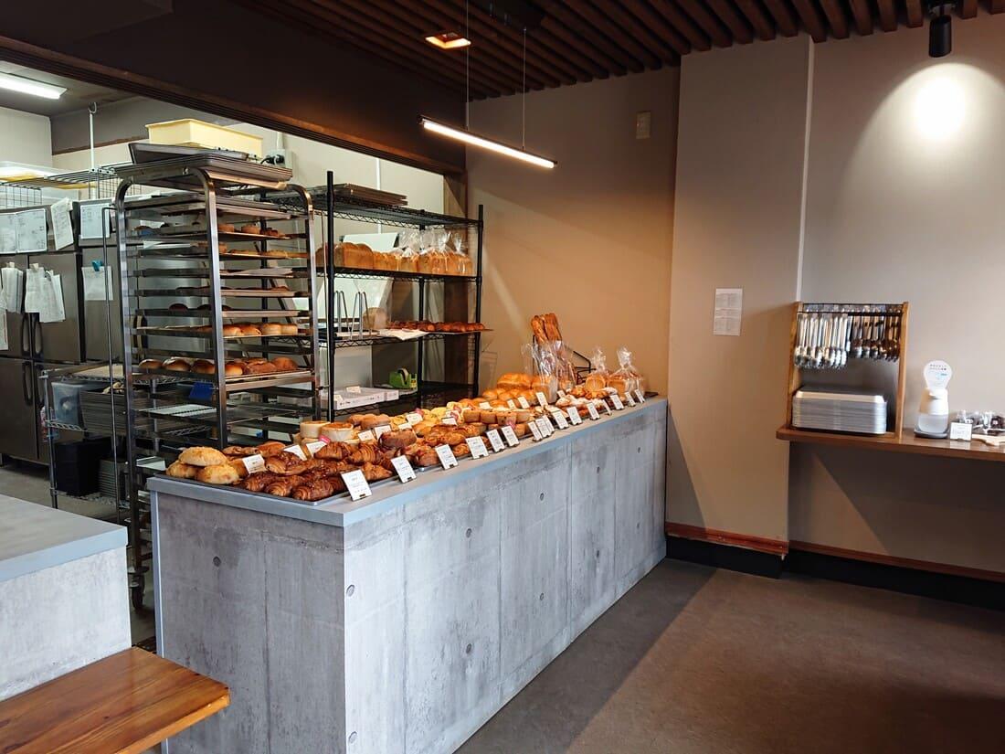 製パン 麦玄の内装